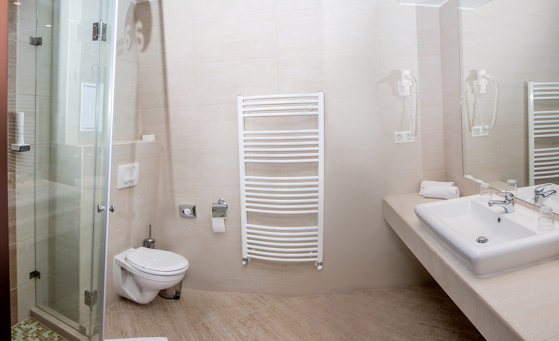 hotel-aurora-szobak10.jpg